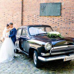 Foto zabytkowy-klasyczny-samochod-na-slub-wesele-2019 5